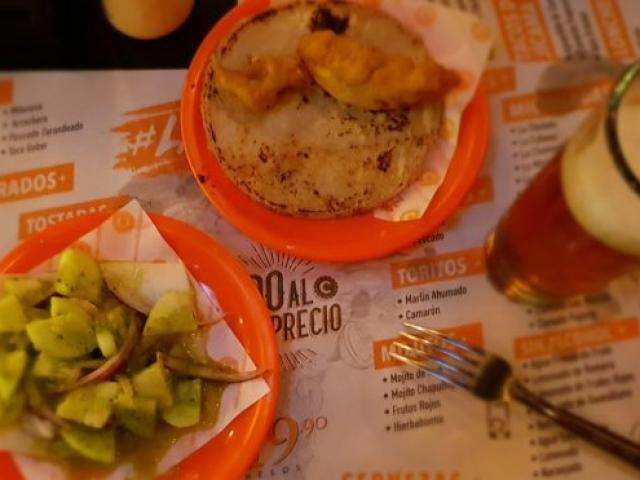 Taco de peppino en jicama
